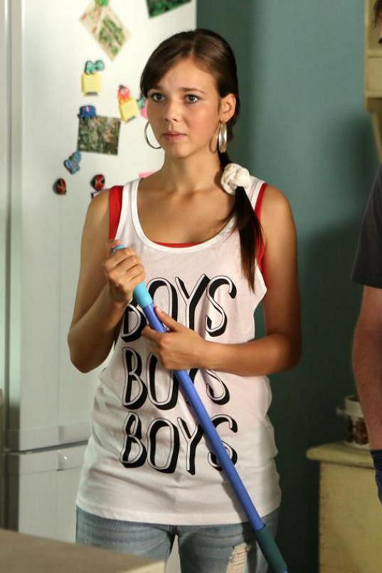 Adriana Neubauerová je nejen talentovaná, ale i krásná herečka.