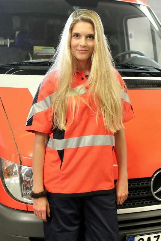 Henrieta Hornáčková hraje v Cestách domů záchranářku.