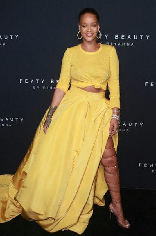 V rámci New York Fashion Weeku představila svoji novou kolekci i zpěvačka Rihanna, jen kosmetickou.