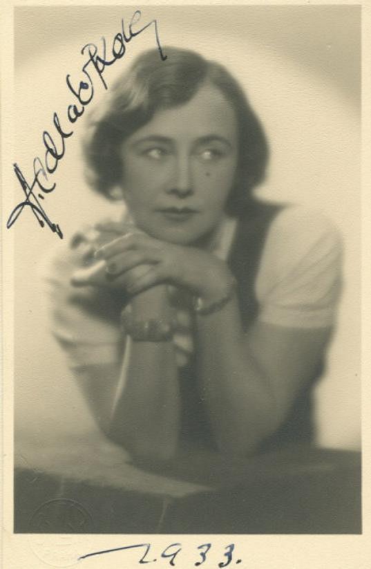 Andula Sedláčková na fotografii s podpisem z roku 1933
