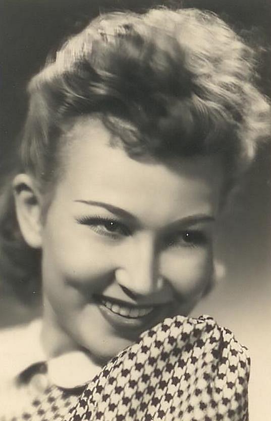 Zorka Janů v roce 1940, kdy hrála celkem ve čtyřech filmech.