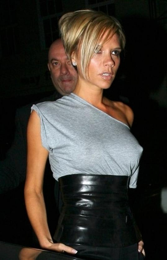 Manželka Davida Beckhama se dříve nestyděla lehce se odhalit.