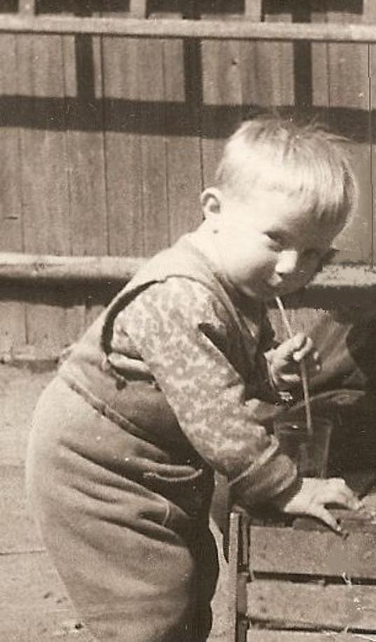 Dvouletý Petr Kotvald