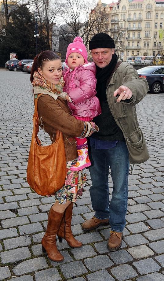 Igor Bareš s manželkou a dcerou.
