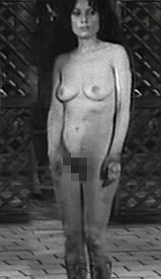 Soňa Valentová se úplně nahá ukázala ve filmu Kladivo na čarodějnice.