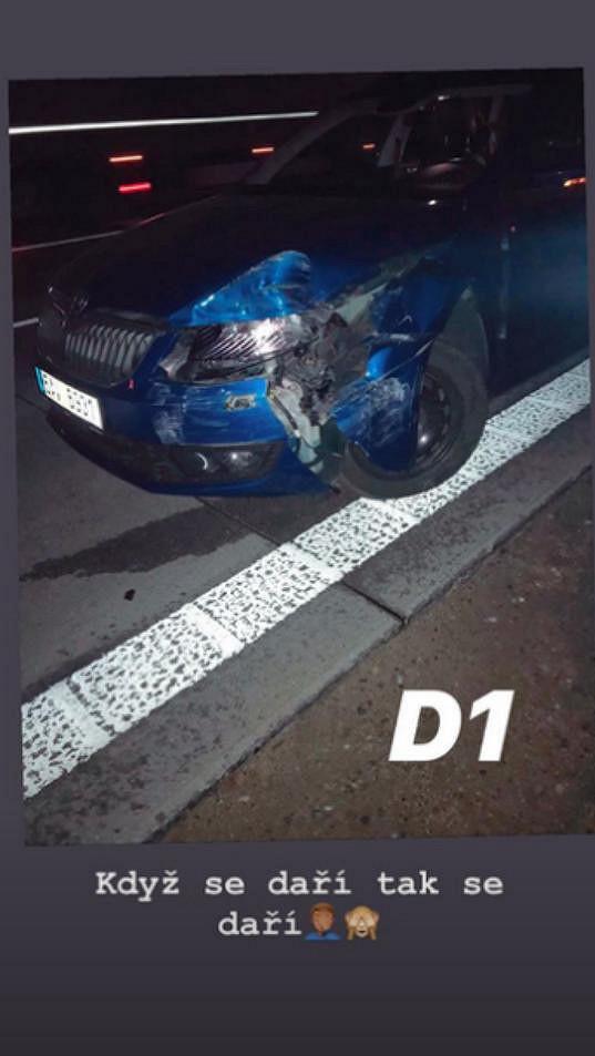 Jej přítel Petr Plaček sdílel foto poničeného vozu také na Instagramu.