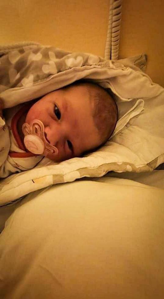 Malá Amelie se narodila posledního května.