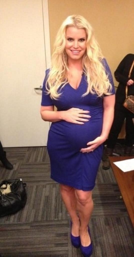 Jessica Simpson se brzy stane podruhé maminkou.