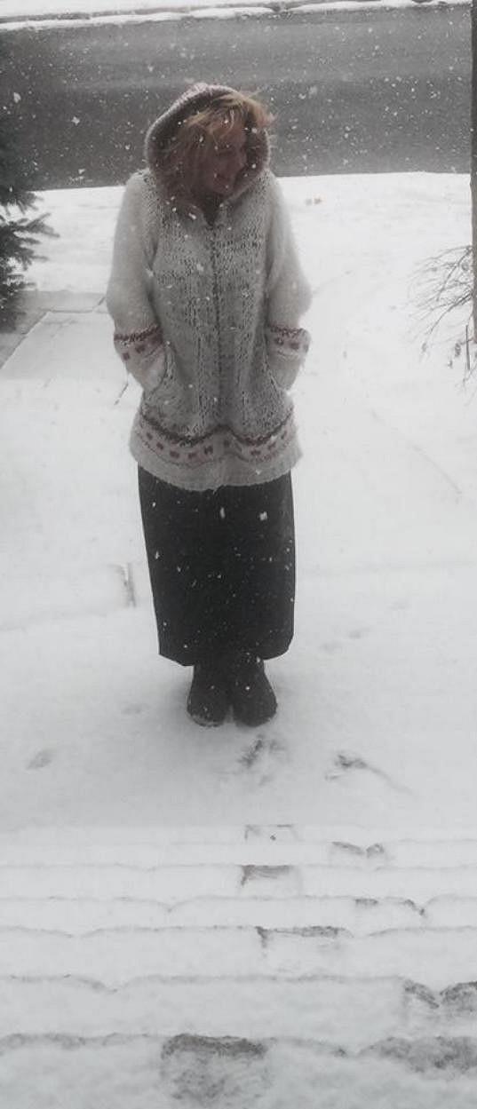 Sněhová nadílka zpěvačku potěšila.