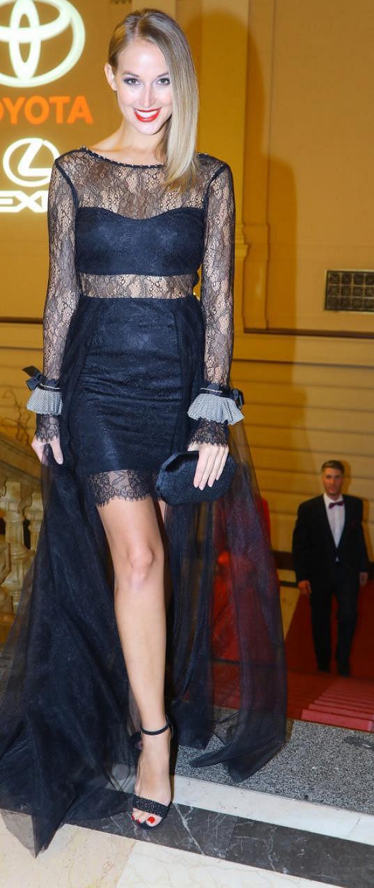 Petra oblékla model od návrhářky Kamily Vodochodské.