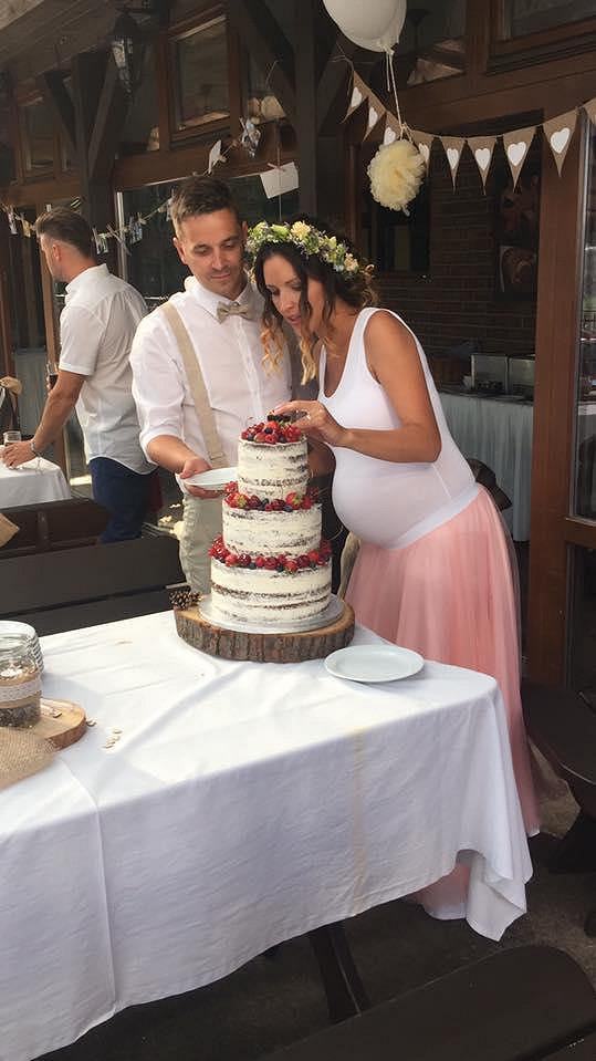 Nikola si vzala Pavla Brzáka v červnu.