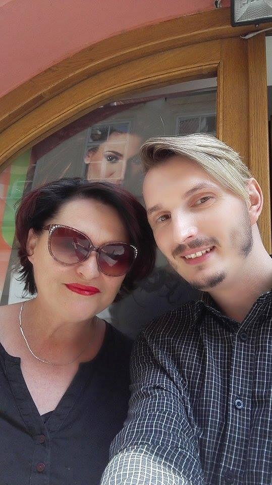 Valérie se svým kadeřníkem