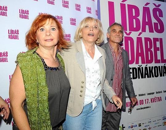 S režisérkou a filmovou partnerkou Kamilou Magálovou.
