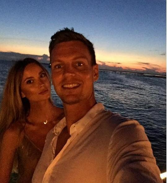 Tomáš s manželkou Ester na Maledivách