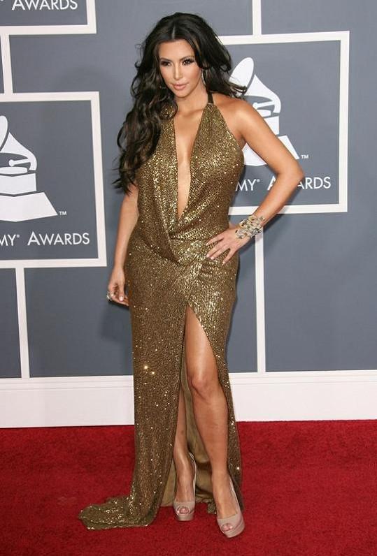 Svůdná modelka Kim Kardashianová.