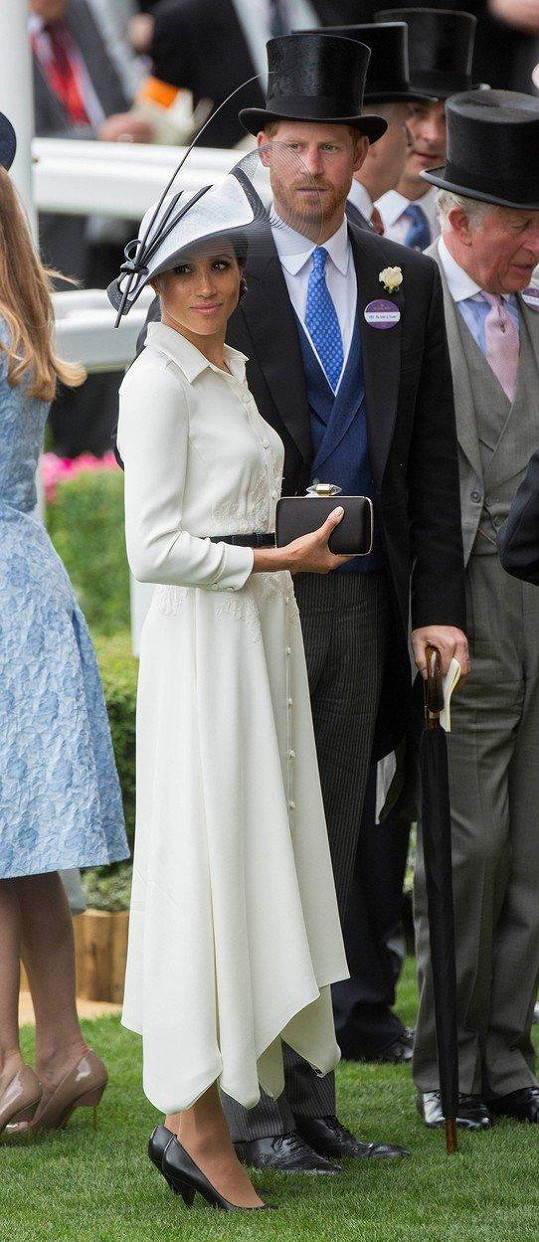 Vévoda a vévodkyně ze Sussexu na závodech v Ascotu