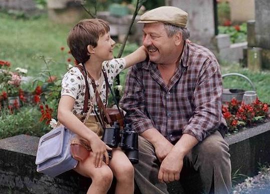 Hrál dědu Tomáš Holého alias ve filmu Jak dostat tatínka do polepšovny.