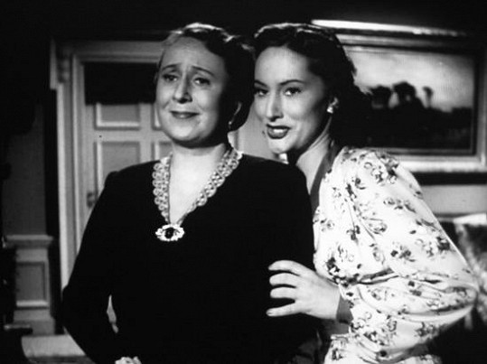 Soňa Červená v roce 1947 ve filmu Poslední mohykán.