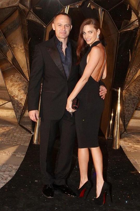 Andrea s manželem na předchozí párty.