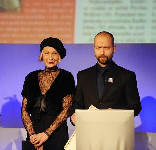 Daniela Kolářová byla samá krajka.