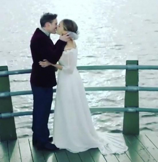 Lucie Vondráčková a její filmový svatební polibek