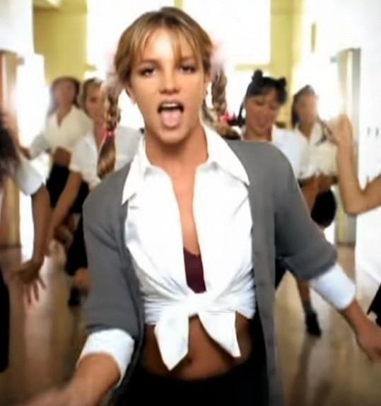 V roce 1998 debutovala s písní ...Baby One More Time.