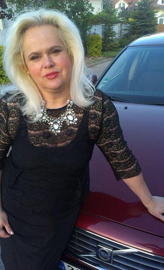 Monika Štiková se pochlubila novým autem.