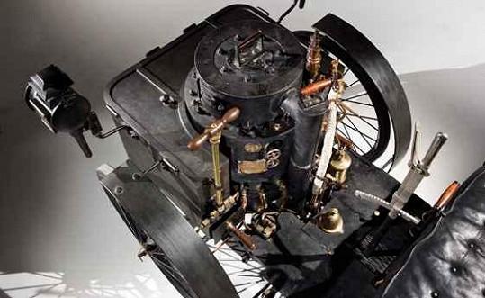 Motor nejstaršího pojízdného automobilu.