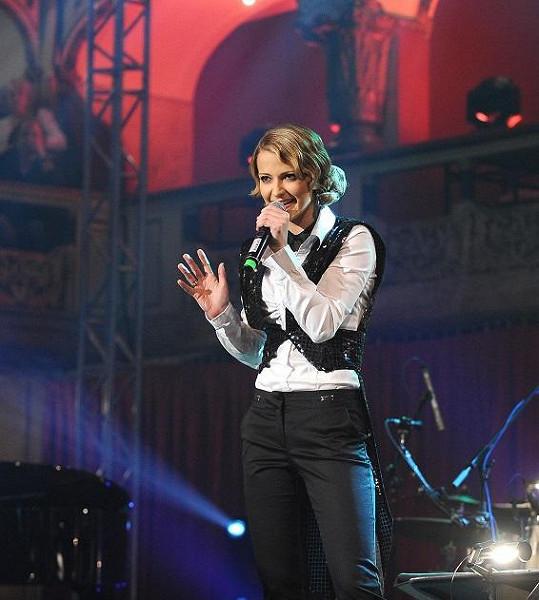 Šárka Vaňková se oblékla v pánském stylu.