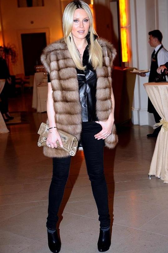 Simona Krainová vypadá v šestinedělí neuvěřitelně.