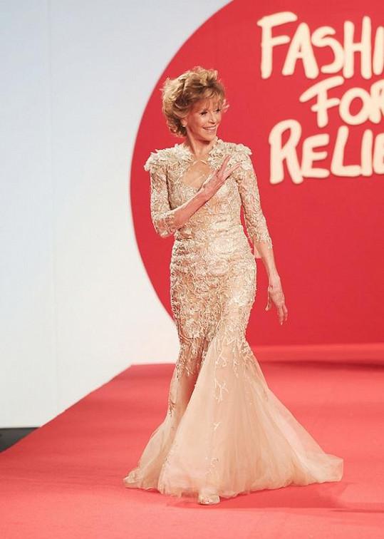 Jane Fonda by 73 let nikdo nehádal.
