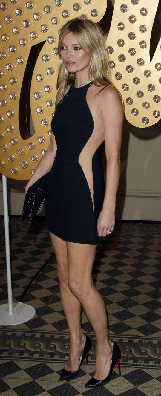 Kate Moss zvolila verzi v mini.