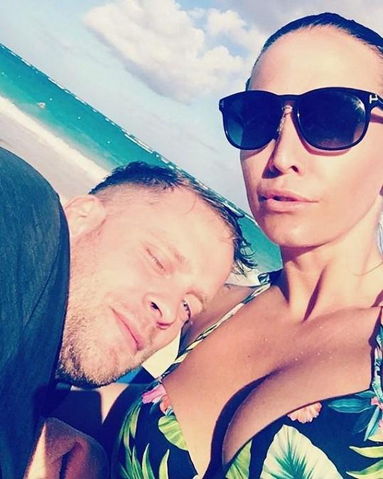 Agáta Prachařová si užívá dovolenou s manželem Jakubem...