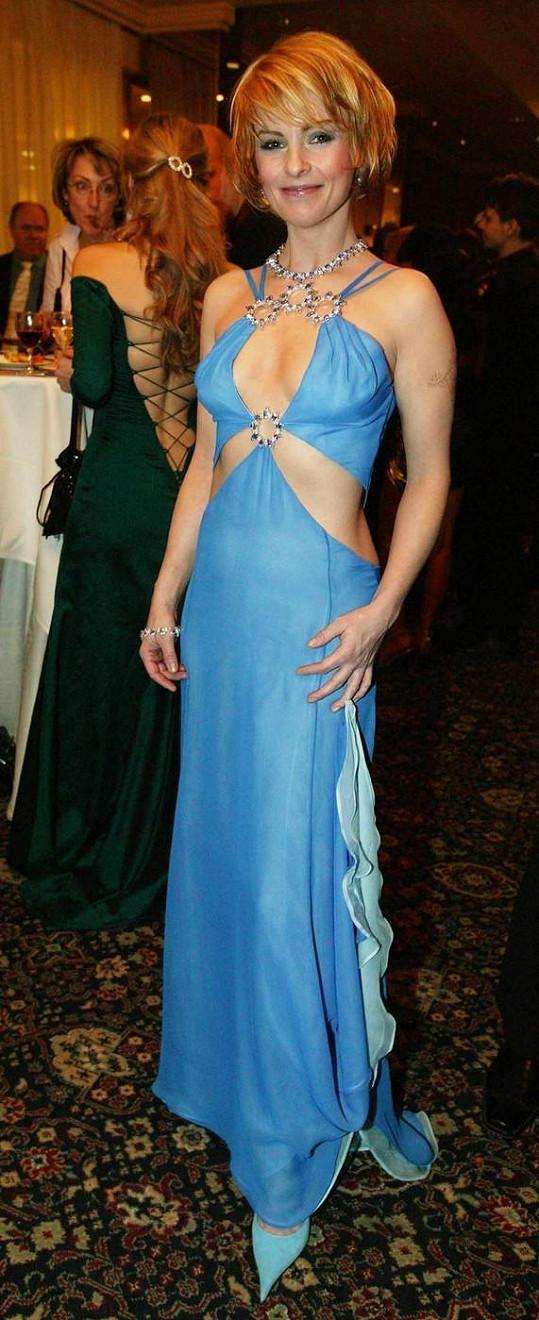 Štíhlá Iveta oslňovala v sexy šatech.
