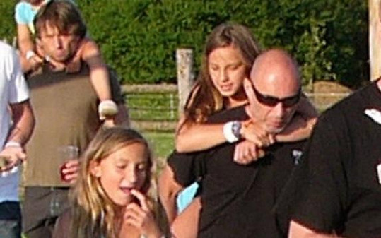 Daniel Landa s dcerami Roxy (vpravo) a Rozárkou