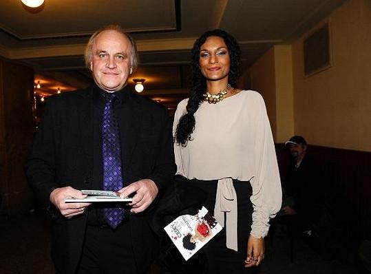 Michael Kocáb se svou partnerkou Lejlou Abbasovou.
