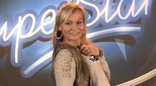 Eva Feuereislová chce být slavná za každou cenu.