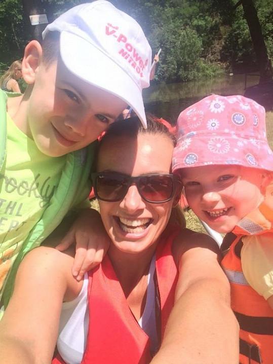 Alice s dětmi Vašíkem a Aličkou