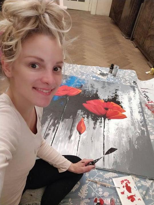Namalovala obraz, který půjde do dražby.
