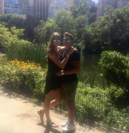 Michal Hrdlička a Karolína Plíšková jsou šťastní jak blechy. Fanoušci ale jejich vztah moc nechápou.