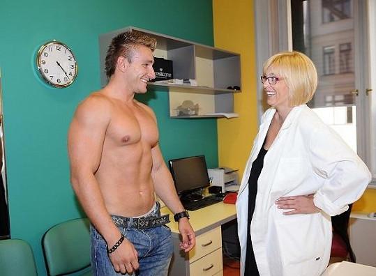 Martin s lékařkou Evou Harapátovou.