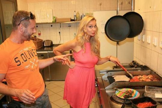 Bára se ujala i vaření.