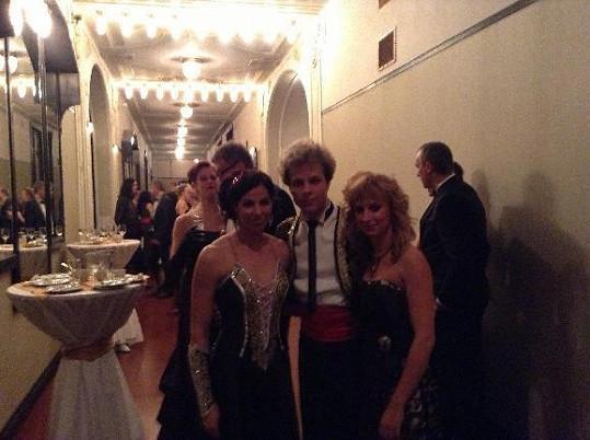 Honza Onder dělal v sobotu společnost své partnerce i tanečnici ze StarDance Katce Baďurové, která přišla bez manžela.