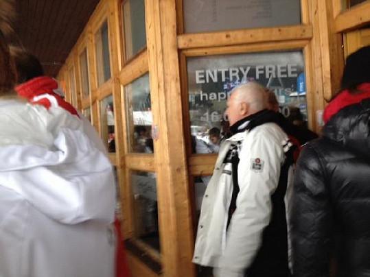 Václav Klaus se v lyžařském středisku nezdržel dlouho.