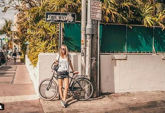 Velkým dobrodružstvím byla pro Natálku jízda na kole z Miami Beach do středu města.
