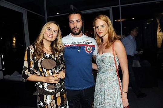 Danica s kamarádkou a Václavem Noidem Bártou.