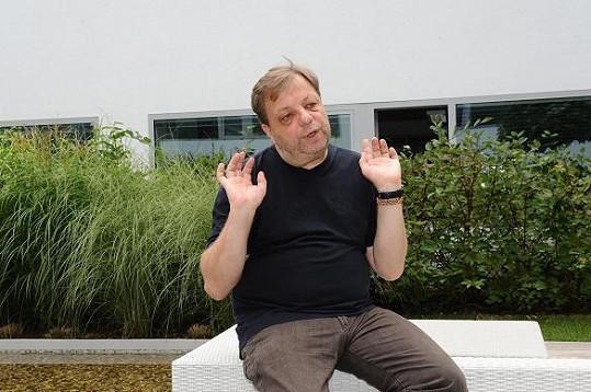Tak má vypadat typické gesto gaye podle Šteindlera.