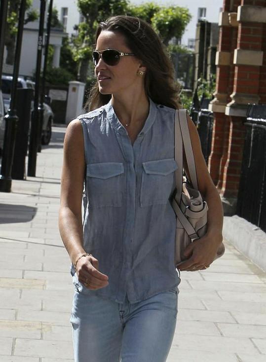 Pippa si slunečné počasí užívala.