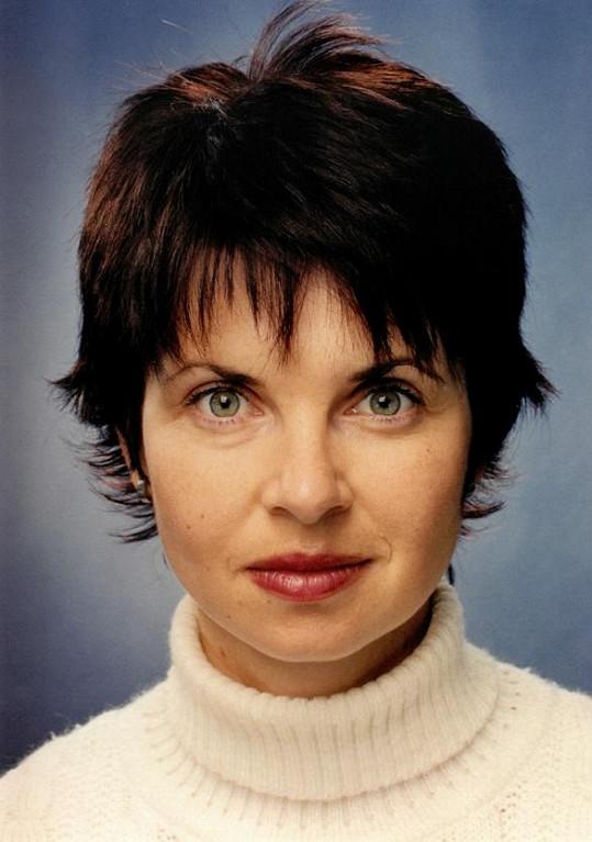 V roce 2001, kdy dělala pořad Fakta na České televizi.