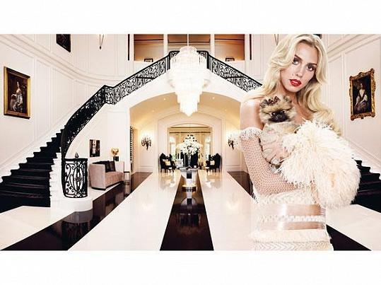 Tohle je současná podoba foyer domu, které si vysnila Petra Ecclestone.